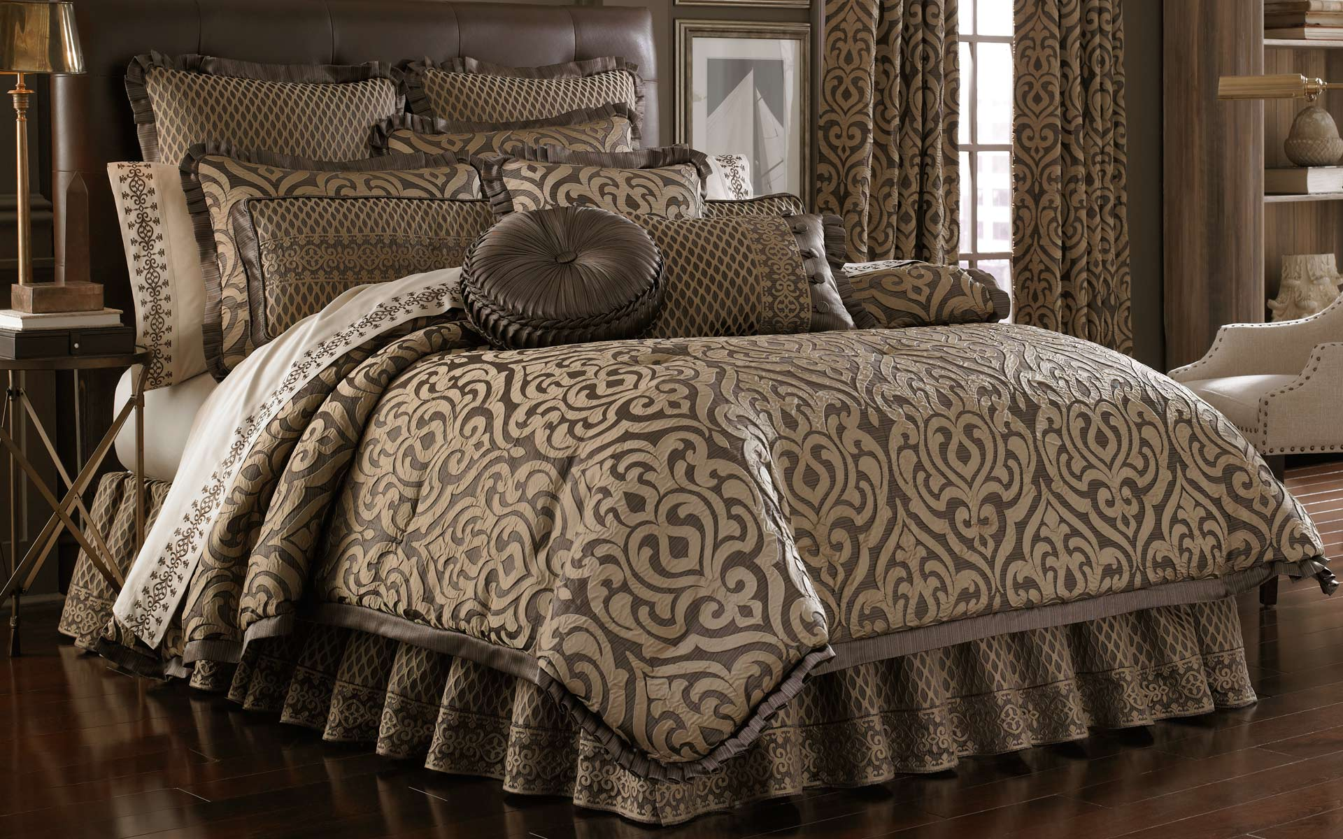 Super textile agencies products for Pictures of comforters